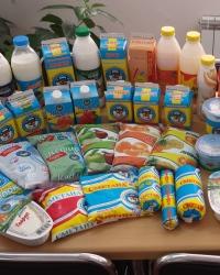 Выкладка молочных и кисломолочных продуктов